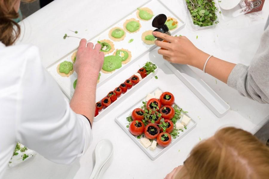 FOOD: Projects in Bio Art