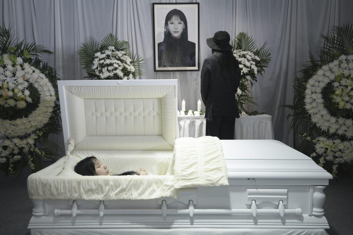 Jiaqi Li, Funeral, 2020. Installation shot.