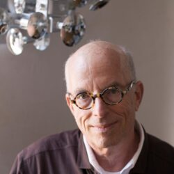 Portrait of curator, writer and theorist Marvin Heiferman.
