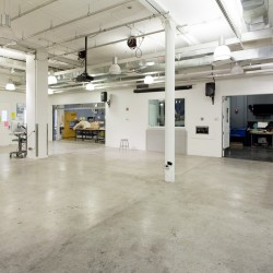 The digital sculpture lab before is used for classes, lectures or exhibitions. Its big dimensions allows to display complex and large sculptural installations.